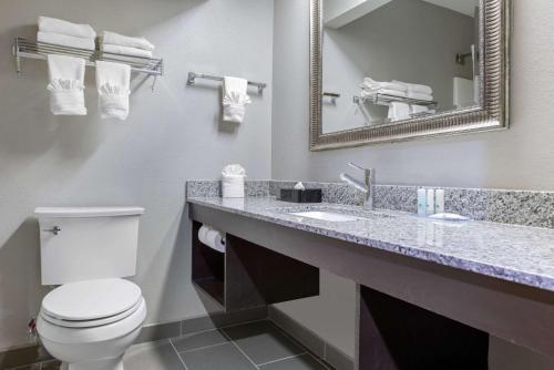 Quality Inn & Suites Brownsburg - Brownsburg, IN 46112