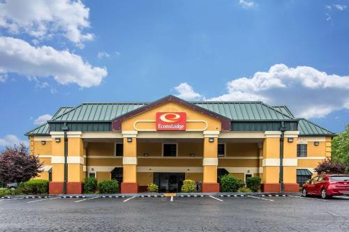 Econo Lodge Berea - Berea, KY 40403