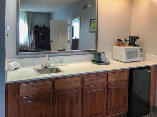Quality Inn Richmond - Richmond, KY 40475