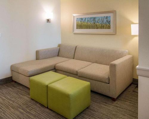 Comfort Suites Bossier City Shreveport East Hotel In La