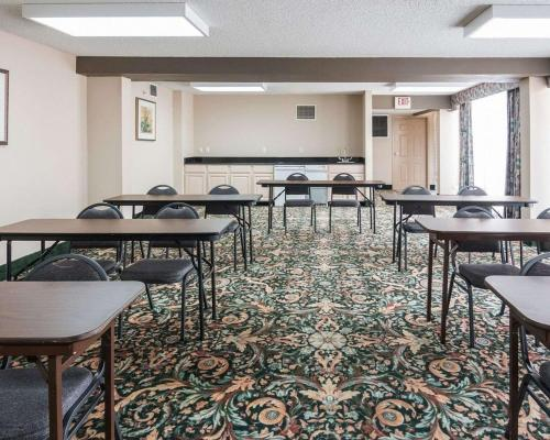 Фото отеля Rodeway Inn & Suites Shreveport