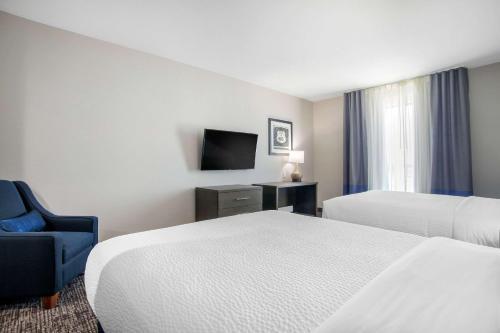 Comfort Inn & Suites Tulsa Catoosa - Tulsa, OK 74105