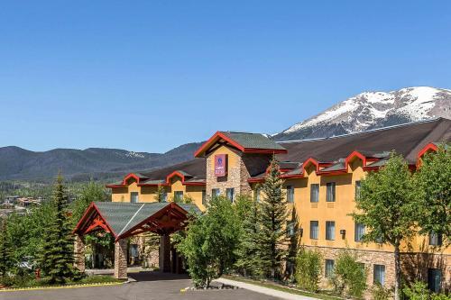 . Comfort Suites Summit County