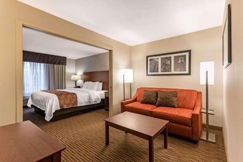 Quality Inn & Suites University Fort Collins - Fort Collins, CO 80525
