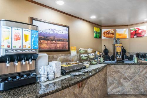 Quality Inn South - Colorado Springs, CO 80906
