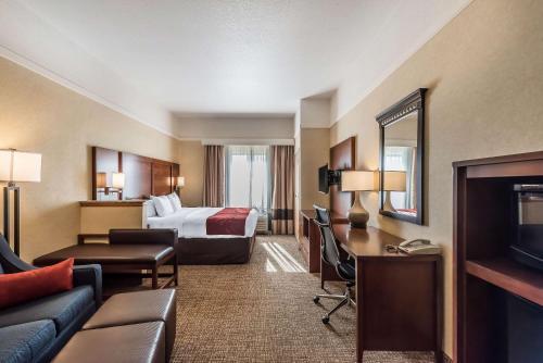 Comfort Suites Longmont Firestone - Longmont, CO 80504