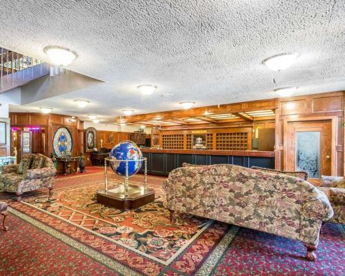 Rodeway Inn & Suites Boulder Broker - Boulder, CO 80303