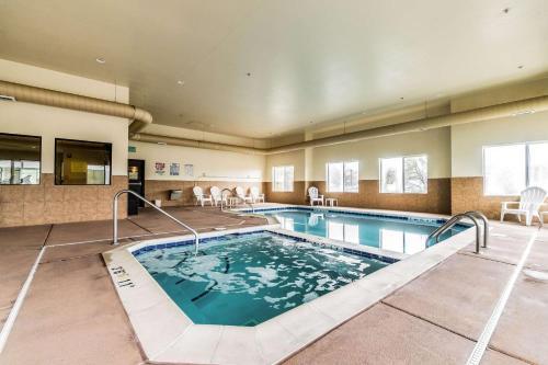 Comfort Inn & Suites - Rifle, CO 81650