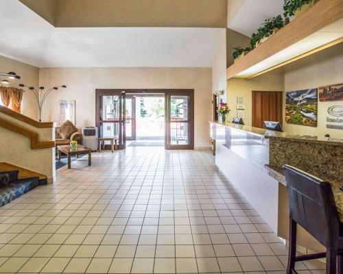 Econo Lodge Denver International Airport - Denver, CO 80111