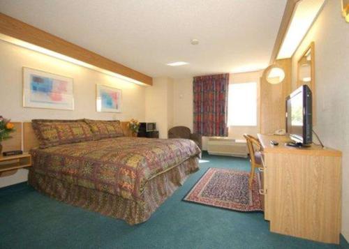 Rodeway Inn Willington - Willington, CT 06279