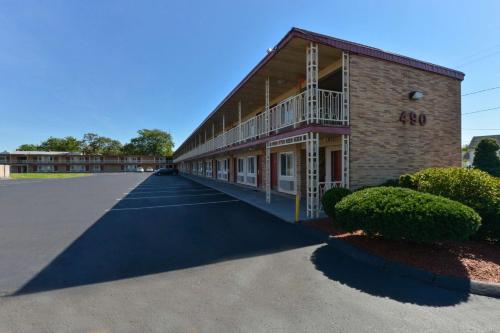 Econo Lodge East Hartford - East Hartford, CT 06108
