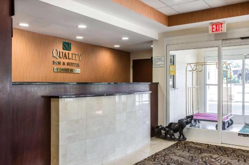 Quality Inn & Suites - Danbury, CT 06810