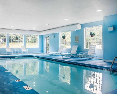 Comfort Inn & Suites Dayville - Dayville, CT 06241