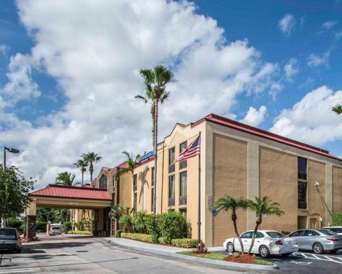 Comfort Inn & Suites - Lantana - West Palm Beach South