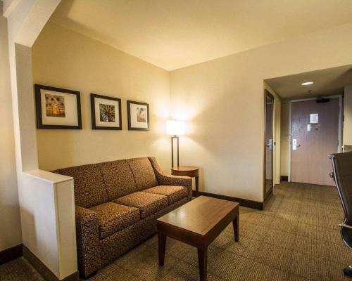 Comfort Suites Miami - Miami, FL 33175