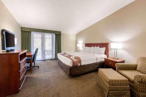 Quality Inn & Suites Tarpon Springs - Palm Harbor, FL 34689