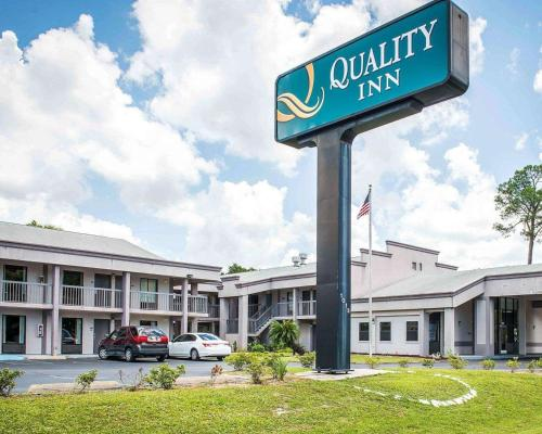 . Quality Inn & Conference Center Panama City