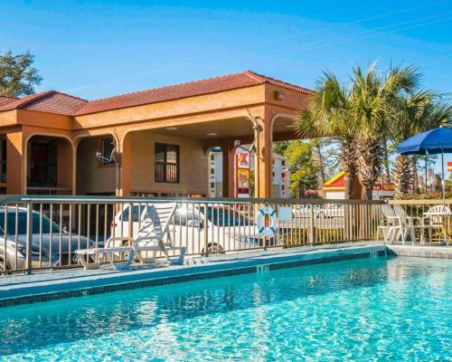 Econo Lodge Panama City - Panama City, FL 32401