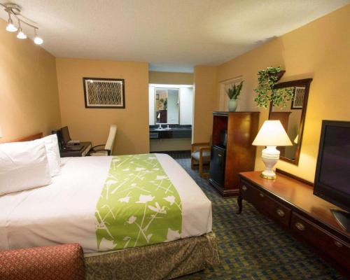 Econo Lodge Kissimmee - Kissimmee, FL 34746