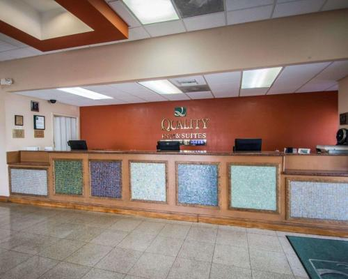 Quality Inn & Suites Eastgate - Kissimmee, FL 34746