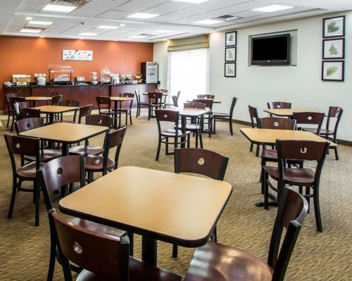 Sleep Inn & Suites Palatka North - Palatka, FL 32177