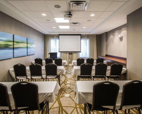 Comfort Suites Miami Airport North - Miami, FL 33166