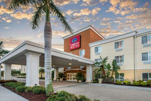 . Comfort Suites Sarasota-Siesta Key