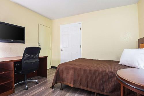 Rodeway Inn Kissimmee - Kissimmee, FL