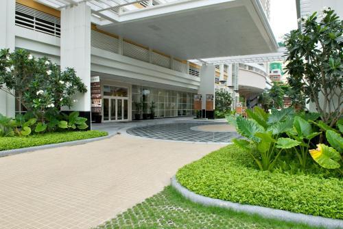 The Narathiwas Hotel & Residence Sathorn Bangkok photo 42