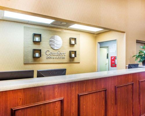 Comfort Inn & Suites At Stone Mountain - Stone Mountain, GA 30087