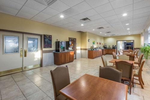 Quality Inn & Suites Conference Center Thomasvilee