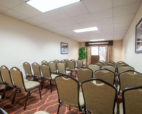 Comfort Suites Gwinnett Medical Center Area - Lawrenceville, GA 30043
