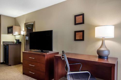 Comfort Inn Sandy Springs GÇô Perimeter - Atlanta, GA GA 30328