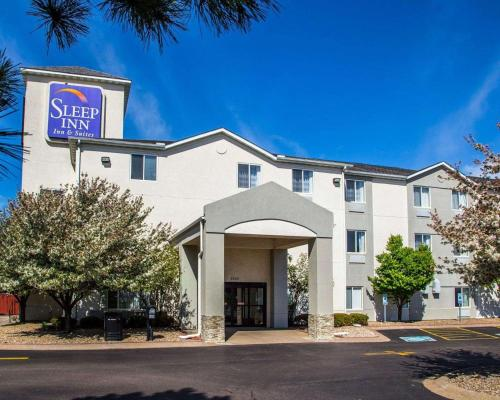 Sleep Inn and Suites Davenport