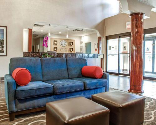 Comfort Suites Lombard/Addison - Lombard, IL IL 60148