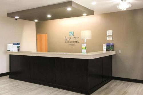 Quality Inn & Suites Lincoln near I-55 - Hotel - Lincoln