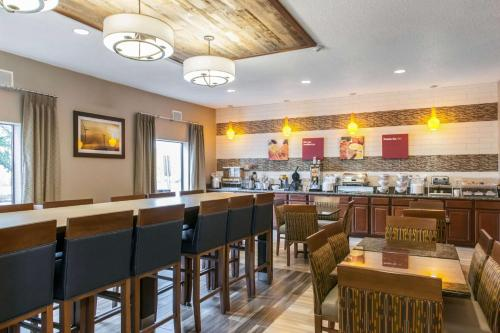 Comfort Suites Vincennes Hotel In In