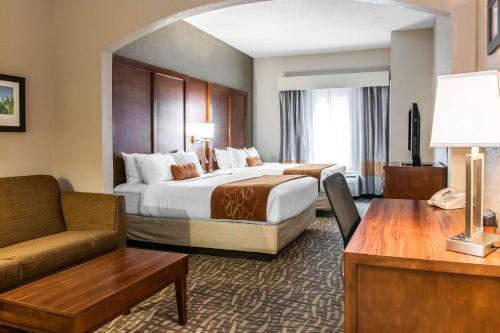 Comfort Suites Vincennes - Vincennes, IN 47591