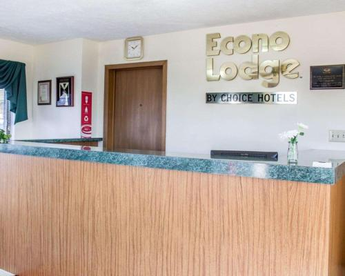 Econo Lodge Elkhart - Elkhart, IN 46514