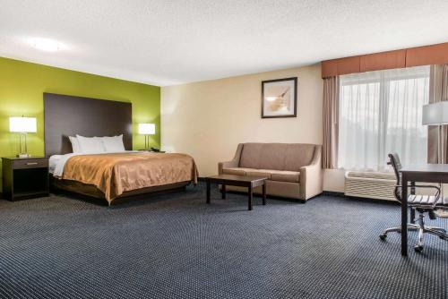 Quality Inn & Suites Anderson - Anderson, IN 46013
