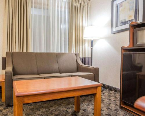 Quality Inn & Suites Portage - Portage, IN 46368