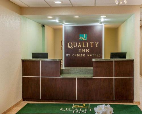 Quality Inn Huntingburg - Huntingburg, IN 47542
