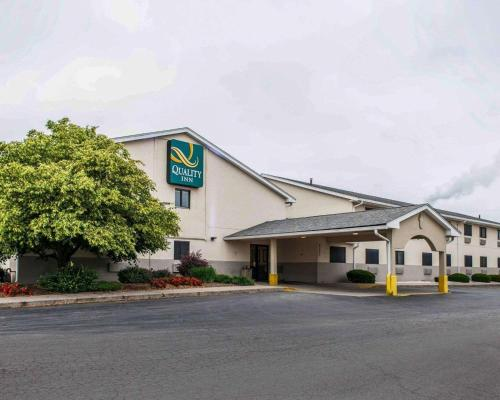 Quality Inn South - Indianapolis, IN 46217
