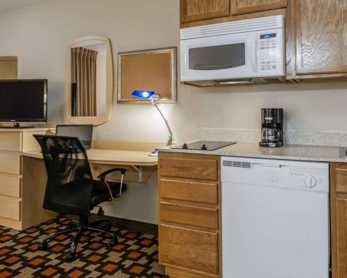 Suburban Extended Stay Northeast - Indianapolis, IN 46250