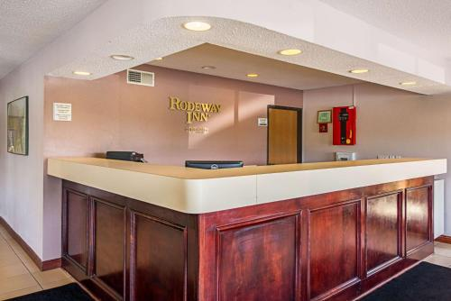 Rodeway Inn Huntington - Huntington, IN 46750