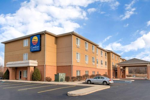 Comfort Inn & Suites Near Indiana Dunes State Park, Chesterton