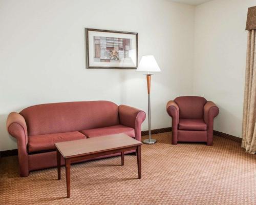 Comfort Suites Indianapolis - Indianapolis, IN 46241