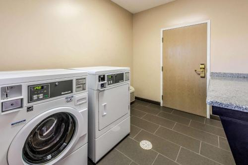 Comfort Suites - Marion, IN 46952