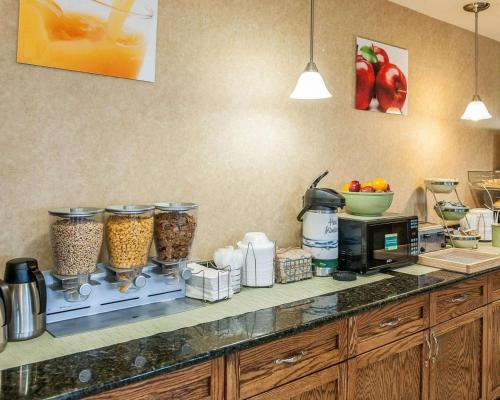 Quality Inn South Bend - South Bend, IN 46637