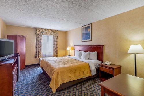 Quality Inn & Suites Coldwater фотографии номера